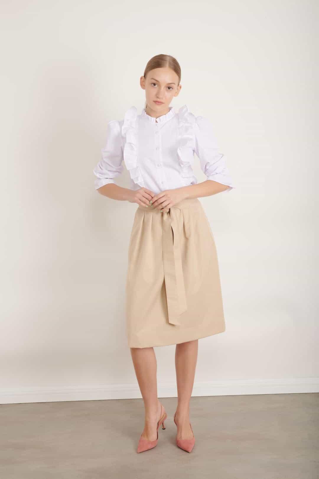 1007 חולצת סינר לבנה