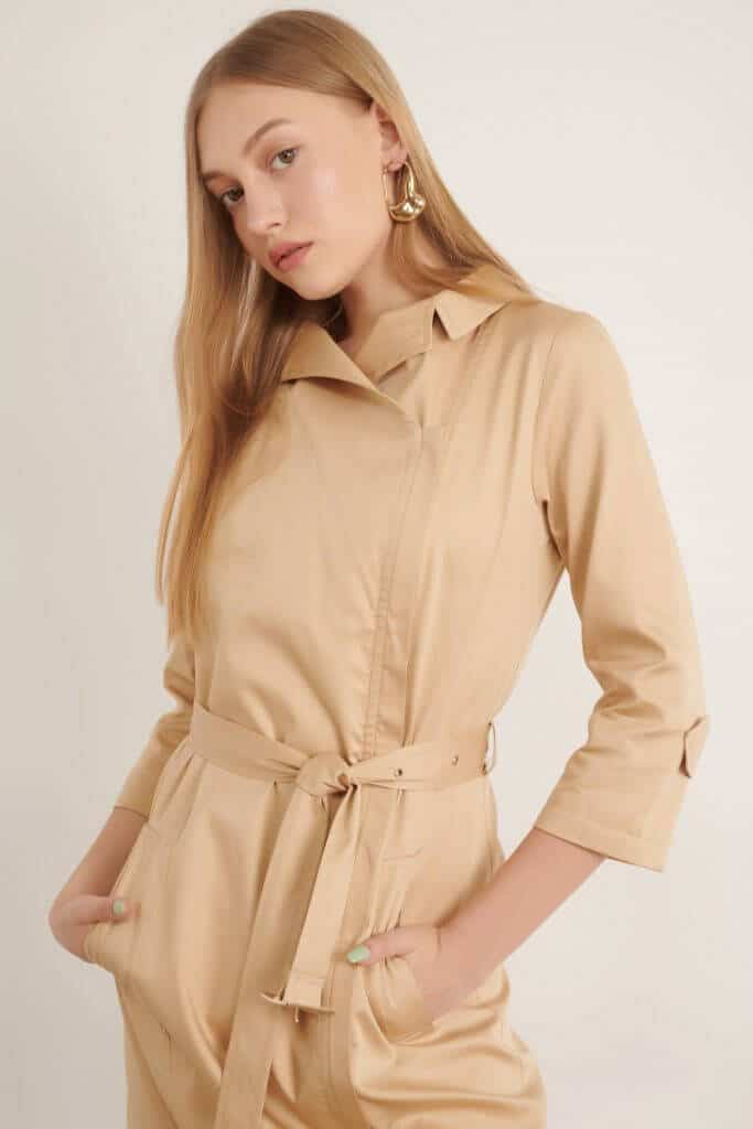 1010 שמלת רוכסן בסגנון ארופאי - קאמל