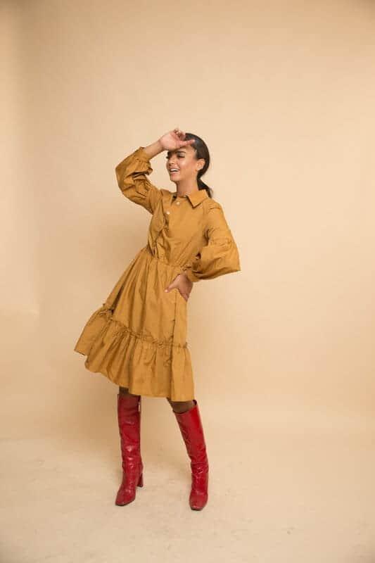 שמלת קומות כיווץ חרדל