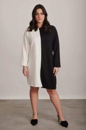 שמלה בגזרה ישרה שחור לבן 1324