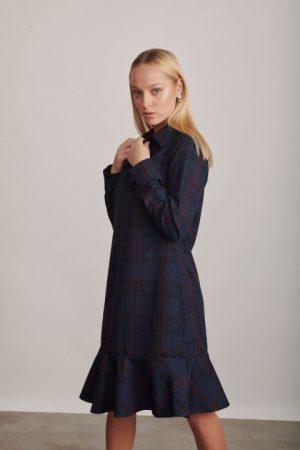 1229 שמלה עם צווארון משובצת כחול בורדו